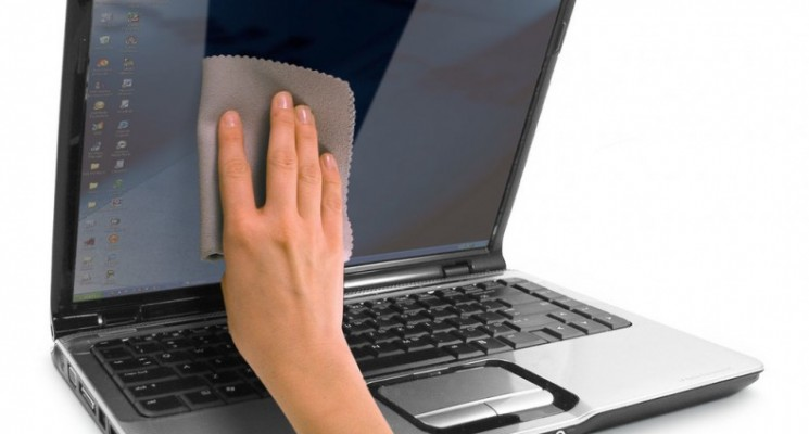 Rengøring laptop skærm